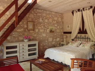 Romantic 1 bedroom Bed and Breakfast in Brion - Brion vacation rentals
