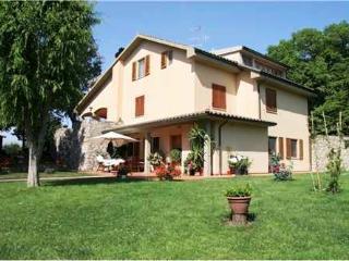 2 bedroom Villa with Internet Access in Campiglia Marittima - Campiglia Marittima vacation rentals