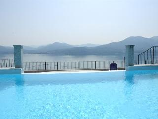Perfect 1 bedroom Oggebbio Apartment with Satellite Or Cable TV - Oggebbio vacation rentals