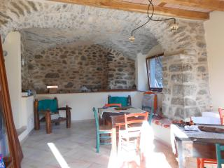 Nice Finca with Balcony and Central Heating - Fivizzano vacation rentals