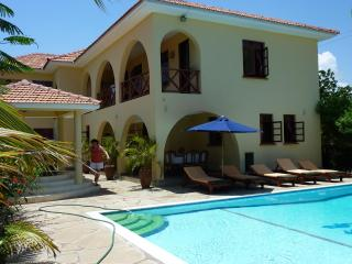 4 bedroom Villa with Internet Access in Galu - Galu vacation rentals