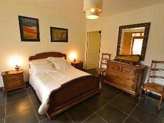 Chambre Vellave; Le clos des pierres rouges - Le Puy-en Velay vacation rentals