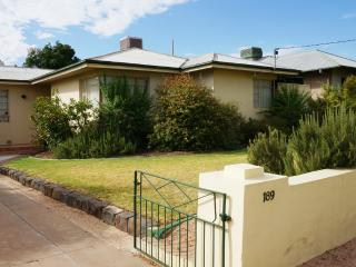 3 bedroom House with Internet Access in Mildura - Mildura vacation rentals