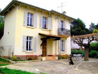 Agay town villa - Agay vacation rentals