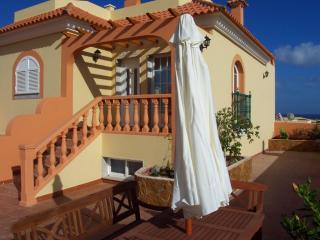 Nice Villa with Deck and Internet Access - Caleta de Fuste vacation rentals