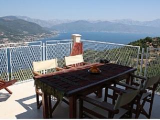 Beautiful 4 bedroom Kotor Municipality Villa with Internet Access - Kotor Municipality vacation rentals