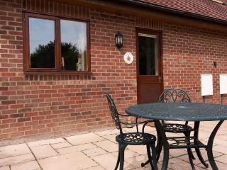 1 bedroom Cottage with Internet Access in Alderholt - Alderholt vacation rentals