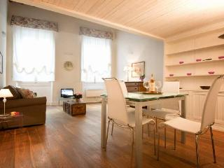 Stylish 1 bedroom apartment in Florence (BFY122) - Florence vacation rentals