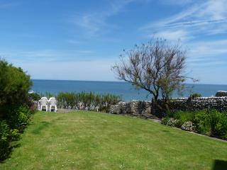Lovely 4 bedroom Condo in Sheringham with Deck - Sheringham vacation rentals