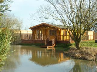 Holiday log cabin with Hot Tub and Sauna 5* Clover - Oakham vacation rentals