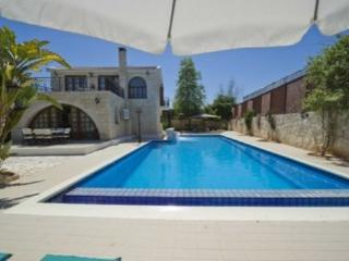 Sea view Villa with pool, beach in Argaka (Con.) - Argaka vacation rentals