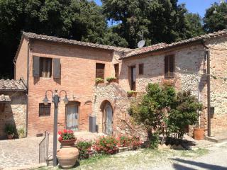 OLIVIERA DEL CHIANTI - Castelnuovo Berardenga vacation rentals