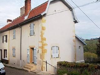 Beautiful House with Balcony and Parking - Semur-en-Brionnais vacation rentals