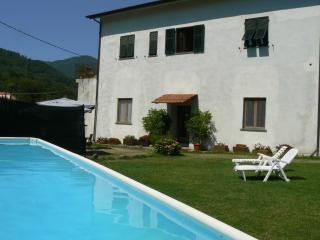 3 bedroom Bed and Breakfast with Shared Outdoor Pool in Ricco del Golfo di Spezia - Ricco del Golfo di Spezia vacation rentals