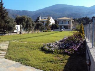 Beachfront villa,aegean island - Politika vacation rentals