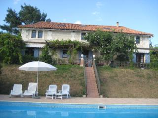 Lovely 3 bedroom Barn in Pillac with Internet Access - Pillac vacation rentals