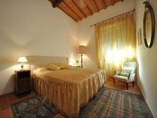 SIRIO - Old Style Apartment - Florence - Florence vacation rentals