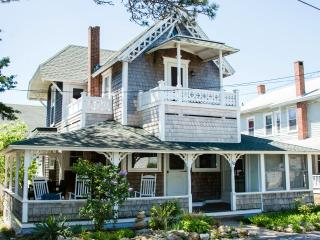 Updated & elegant w/ WATERVIEW, 1 block from beach - Oak Bluffs vacation rentals