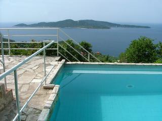 Bright 4 bedroom Brsecine Villa with Internet Access - Brsecine vacation rentals