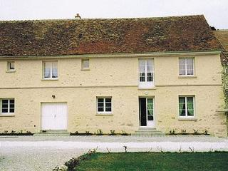 4 bedroom Villa with Shared Outdoor Pool in Seine-et-Marne - Seine-et-Marne vacation rentals