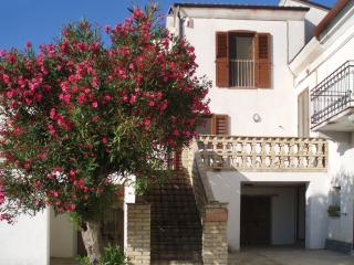 2 bedroom Condo with Internet Access in Ortona - Ortona vacation rentals