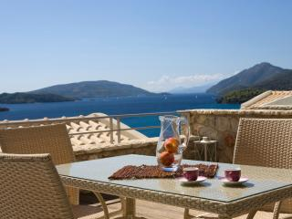 Bright 2 bedroom Perigiali Villa with Internet Access - Perigiali vacation rentals