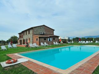 Nice 3 bedroom Farmhouse Barn in Altopascio - Altopascio vacation rentals
