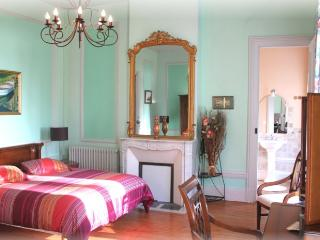 Romantic 1 bedroom Vacation Rental in Criquetot-l'Esneval - Criquetot-l'Esneval vacation rentals