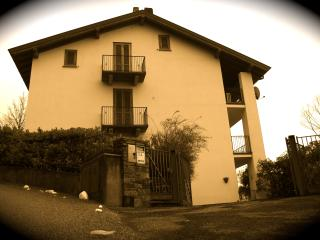 Cozy 3 bedroom Villa in Gavirate - Gavirate vacation rentals