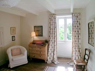 2 bedroom Cottage with Internet Access in Guemene-sur-Scorff - Guemene-sur-Scorff vacation rentals