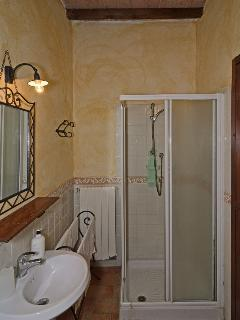 Cozy 1 bedroom Ponsacco Farmhouse Barn with Internet Access - Ponsacco vacation rentals