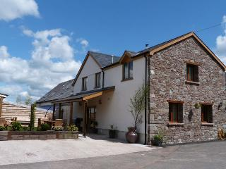 Brecon Beacons Luxury Cottage with Hot Tub 88430 - Brecon vacation rentals