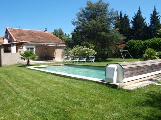Maison de charme avec piscine - Saint-Remy-de-Provence vacation rentals