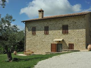 Bright 8 bedroom B&B in Assisi with Internet Access - Assisi vacation rentals