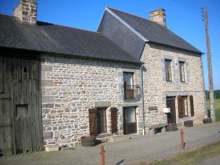 Les Chenes farmhouse beautiful rural location - Antrain vacation rentals