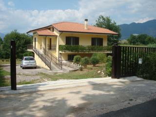 Bright 2 bedroom Apartment in Cassino - Cassino vacation rentals