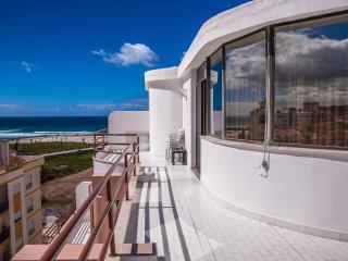 Cozy 2 bedroom Penthouse in Caparica - Caparica vacation rentals
