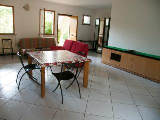 2 bedroom Condo with Fireplace in Numana - Numana vacation rentals