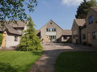 1 bedroom Cottage with Internet Access in Cheltenham - Cheltenham vacation rentals