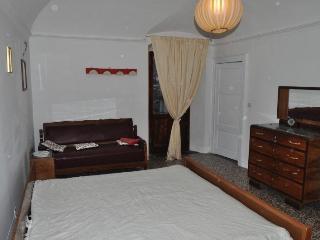 Casa vacanza sotto al Castello - Parma vacation rentals