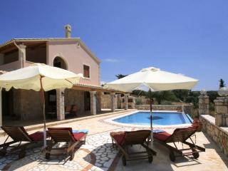 2 bedroom Villa with A/C in Kassiopi - Kassiopi vacation rentals