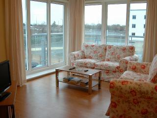 Sundeala Close; 2 bedroom flat - Sunbury-On-Thames vacation rentals