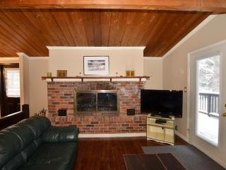 Chalet with private outdoor pool and hot tub - Blue Mountains vacation rentals