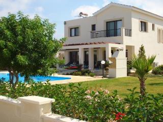 3 bedroom Villa with Internet Access in Paphos - Paphos vacation rentals
