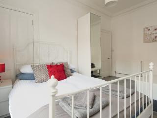 City Centre 2 Bedroom - Edinburgh vacation rentals