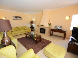 Beautiful 5 bedroom Villa in Lagoa - Lagoa vacation rentals
