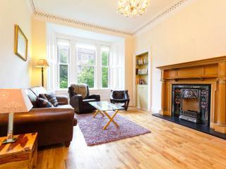 Stunning Central High Quality 2 Bedroom Apartment - Edinburgh vacation rentals