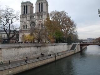 parisnotredame - Paris vacation rentals
