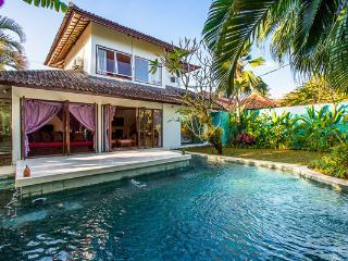 Villa Eshina I By Bali Villas Rus - 3BR villas with a Moroccan style in Seminyak - Seminyak vacation rentals