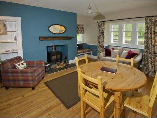 Nice Cottage with Linens Provided and Television - Fort Augustus vacation rentals